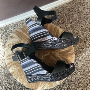 Chinese Laundry Striped Wedge Heels Size 8